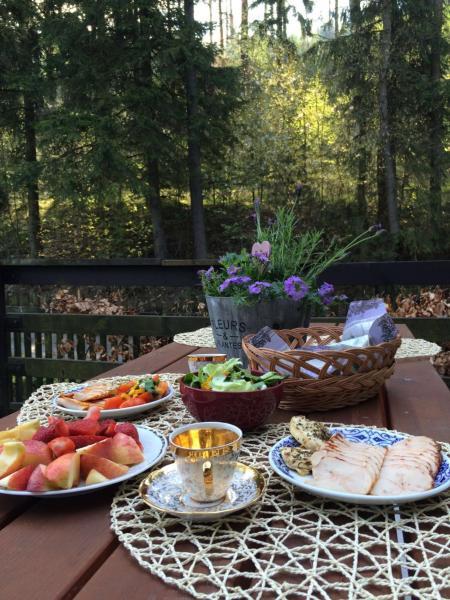 Hotel Pictures: Lodge Chata Pod Lesem, Rýmařov