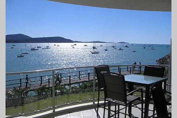 Fotografie hotelů: Absolute Waterfront 2 Bedroom Apartment, Airlie Beach