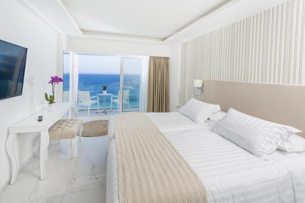 Double or Twin Room Beach Front
