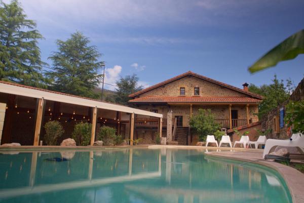 Hotel Pictures: Apartamentos Lagares del Bear, Barros