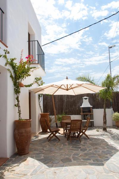 Hotel Pictures: Casa Can Pilot, Sant Rafael de Sa Creu