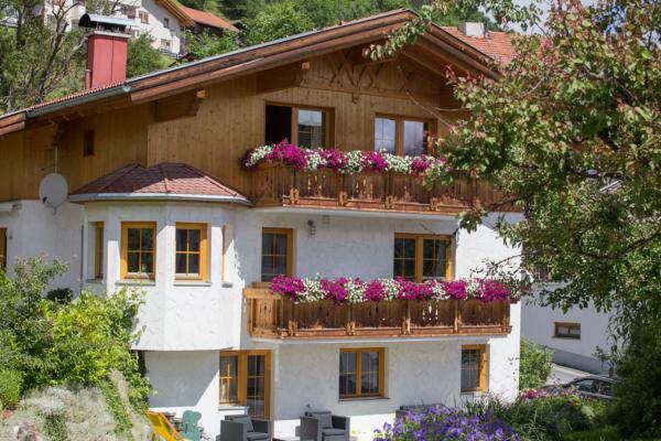 ホテル写真: Apart Röck, Ladis