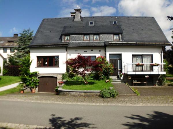 Hotelbilleder: Ferienhaus Suedhang, Winterberg