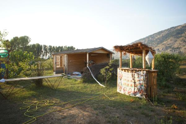 Hotel Pictures: Camping Clandestino, Baks-Rrjoll
