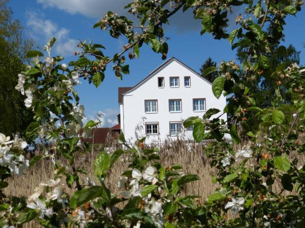 Hotel Pictures: Das Haus am Teich, Groß Grabow