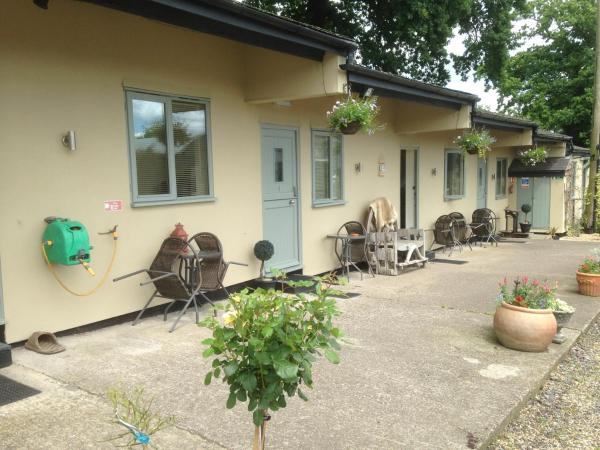 Hotel Pictures: The Stables- Deer Park Farm, Solihull