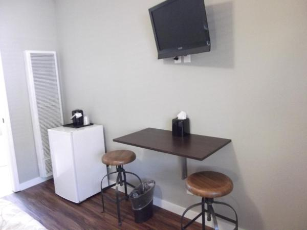 Wheelchair accessible single room