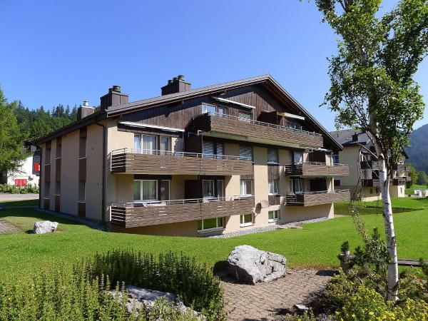 Hotel Pictures: Holiday Park Parkhotel Arvenbühl.1, Amden