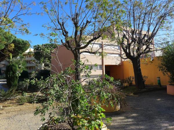 Hotel Pictures: Apartment Jardins du Golfe, La Favière