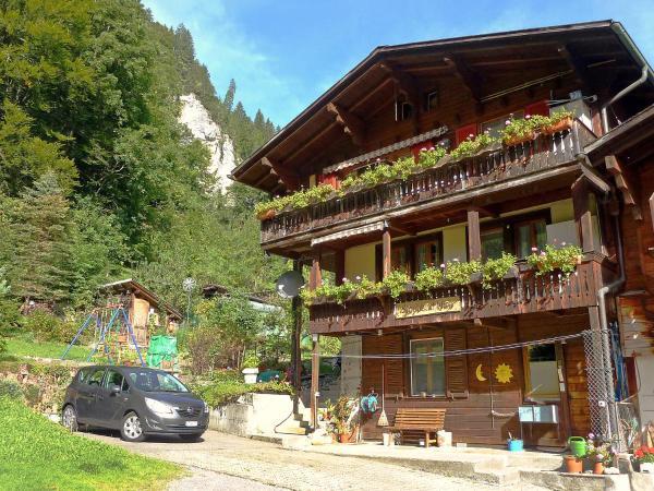 Hotel Pictures: Chalet Staubbachblick, Lauterbrunnen