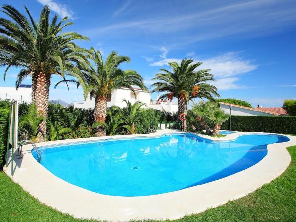 Hotel Pictures: Holiday Park Palmiers 01.3, Llança