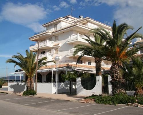Hotel Pictures: Apartamentos Torrecorinto, Almarda