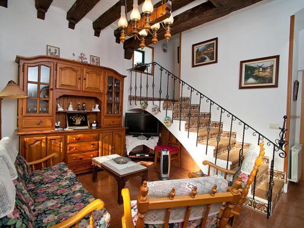 Hotel Pictures: Holiday Home La Pau, Vilassar de Mar