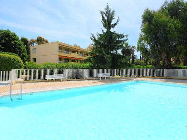 Hotel Pictures: Apartment Les Eucalyptus.4, Golfe-Juan