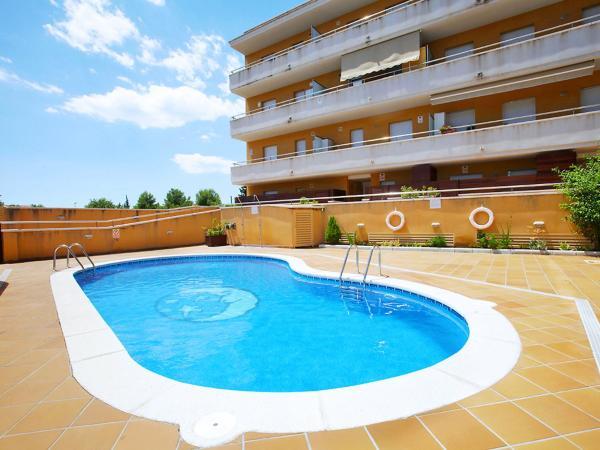 Hotel Pictures: Apartment Ramon i Cajal, El Vendrell