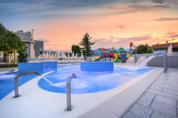 Foto Hotel: Hotel Villa Glicini, Pinerolo
