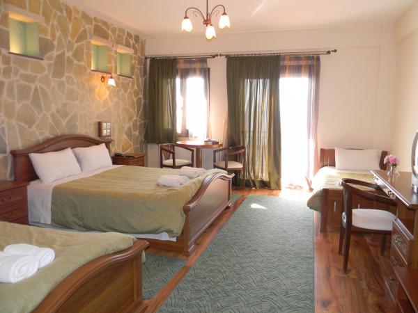 Superior Quadraple Room with Balcony and Lake View