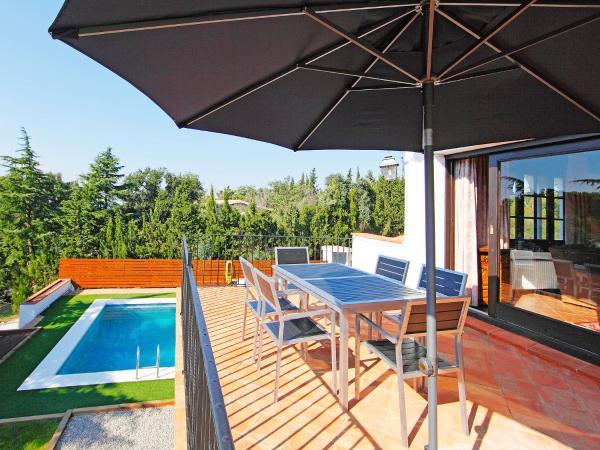Hotel Pictures: Holiday Home Mas Nou 01, Castillo de Aro