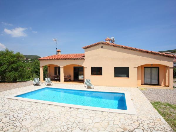 Hotel Pictures: Holiday Home Mas Pere 04, Calonge