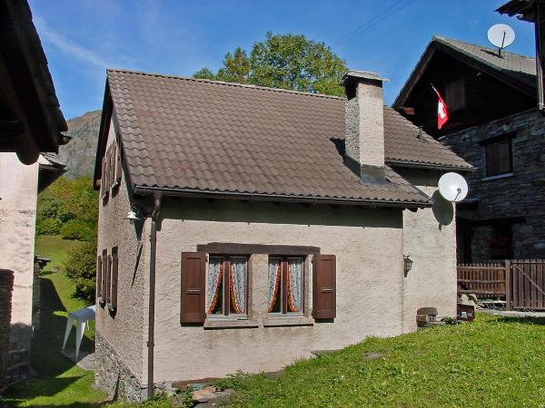 Hotel Pictures: Holiday Home Marianne.1, Aquila