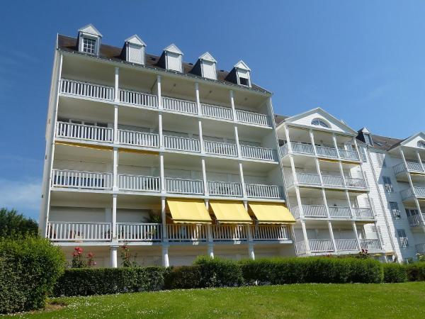 Hotel Pictures: Apartment Le Parc Cordier.4, Trouville-sur-Mer