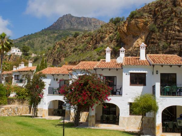 Hotel Pictures: Apartment Sunsea village.4, La Canuta
