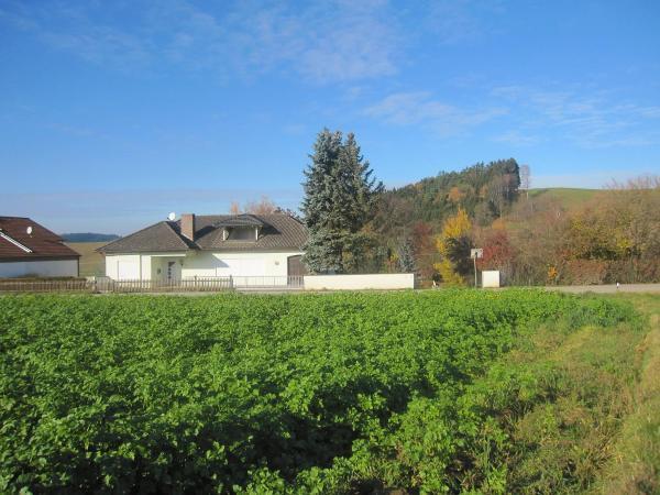 Hotel Pictures: Holiday Home Landhaus im Klosterwinkel, Beutelsbach