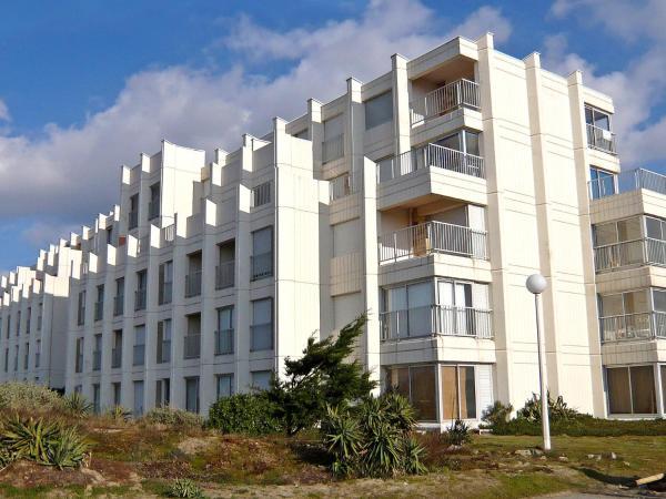 Hotel Pictures: Apartment Marine.3, Le Jeune-Soulac