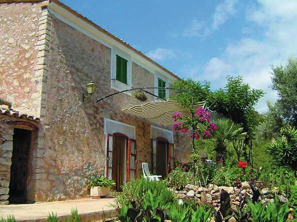 Hotel Pictures: Holiday Home Can Tiona, Andratx