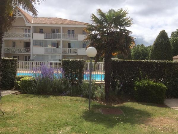 Hotel Pictures: Apartment Les Jardins de l'Océan.25, Pontaillac