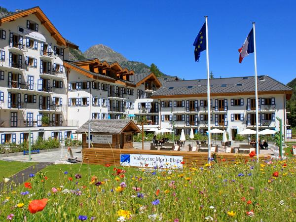 Hotel Pictures: Apartment Vallorcine Mont-Blanc & Spa.3, Le Couteray