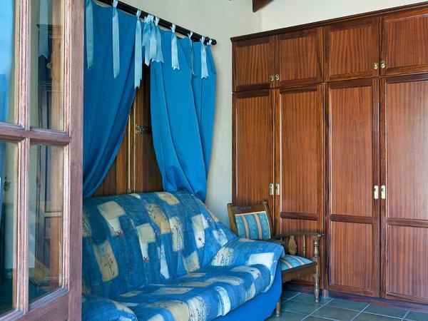 Hotel Pictures: Holiday Home Del Coronel, Lomo de Arico