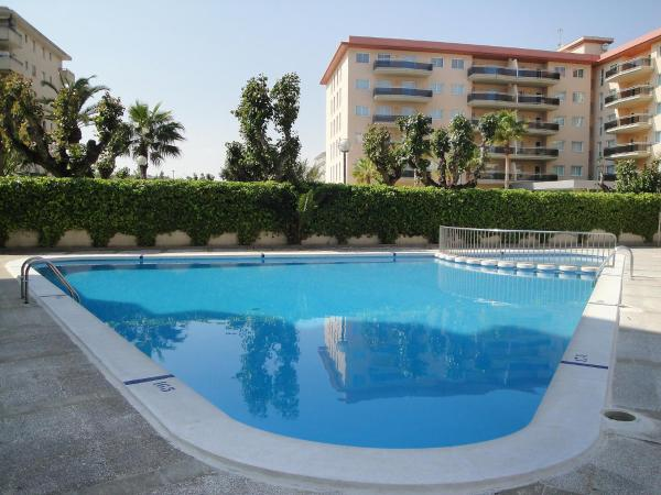 Hotel Pictures: Apartment CYE Marina, La Pineda