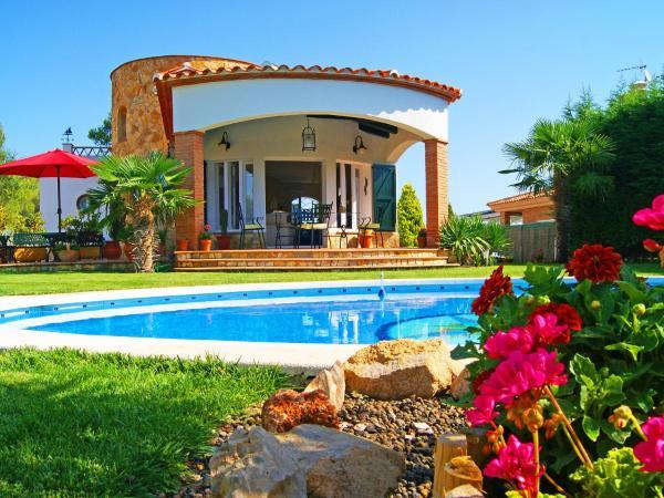 Hotel Pictures: Holiday Home la Casita, Caldes de Malavella