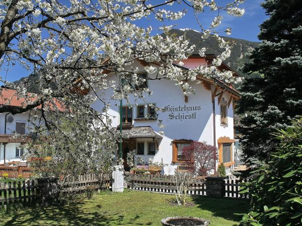 Fotografie hotelů: Apartment Elfriede.2, Ried im Zillertal