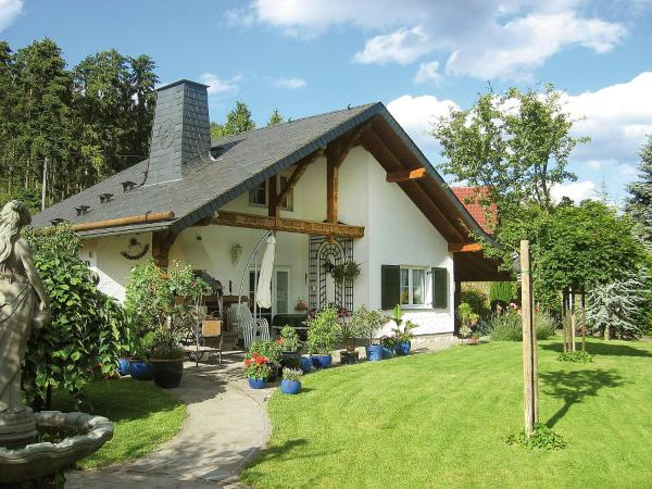 Hotel Pictures: Holiday Home Haus Schwallenberg, Adenau