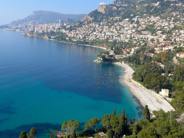 Hotel Pictures: Apartment Le Parc Massolin, Roquebrune-Cap-Martin