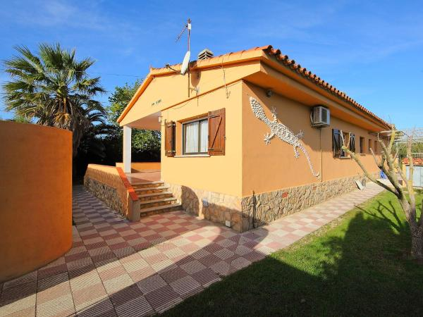 Hotel Pictures: Holiday Home Don Felipe, LEscala