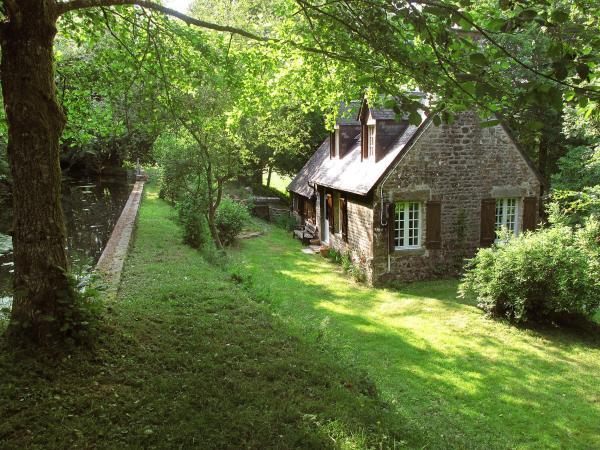 Hotel Pictures: Farm Stay Le Moulin de la Republique, Sourdeval