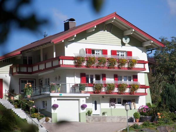 Hotellikuvia: Gästehaus König, Riezlern