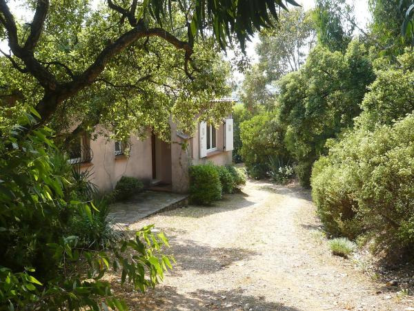 Hotel Pictures: Holiday Home Chevalier, Les Issambres