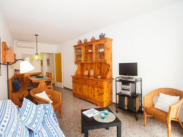 Hotel Pictures: Apartment Verdura, San Pol de Mar