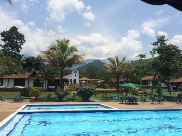 Hotel Pictures: El Pueblito - Amigos del Campo, Sasaima