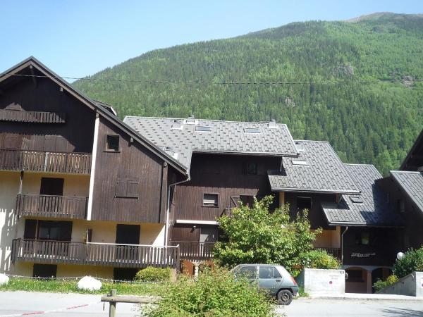 Hotel Pictures: Apartment Mont-Blanc Plein Sud B, Les Houches