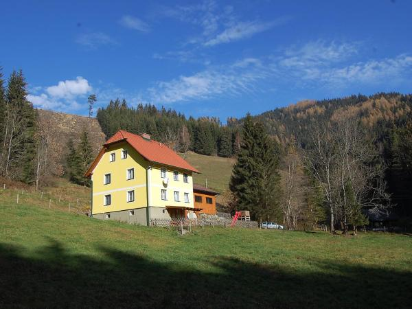 Hotel Pictures: Holiday Home Krechen Alm, Pernegg an der Mur