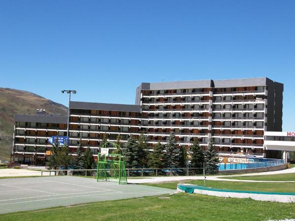 Hotel Pictures: Apartment Lac du Lou, Chavière, Péclet,.8, Les Menuires