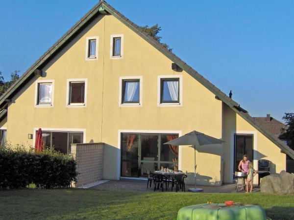 Hotel Pictures: Holiday Home Schröder.2, Kalterherberg