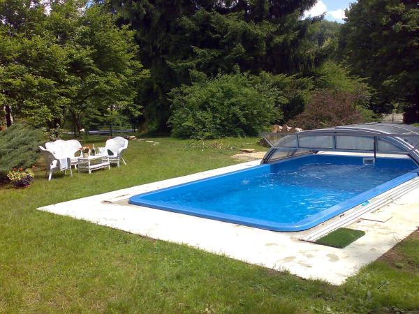 ホテル写真: Villa Wienerwald Villa mit Pool, Irenental
