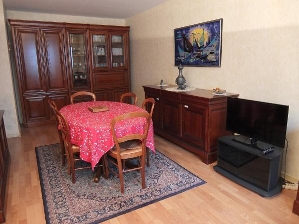 Hotel Pictures: Apartment Anatole France, Le Kremlin-Bicêtre