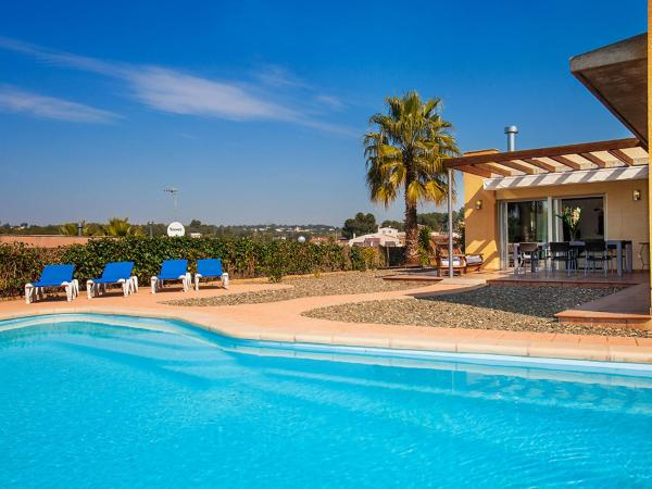 Hotel Pictures: Holiday Home Berenguer Recasens, Catllar